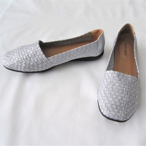 "Shoes Silver Basket Weave size 7.5"" by Comfortview"